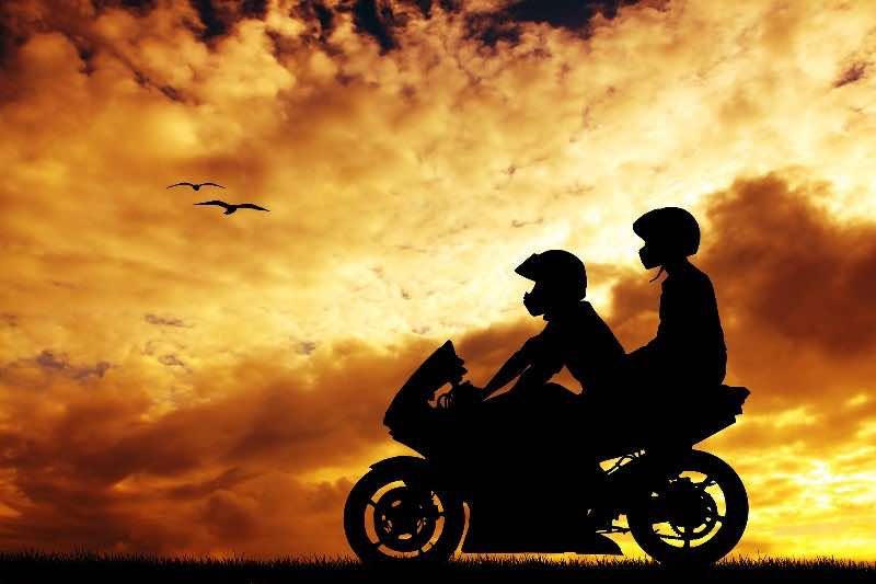12 rules for riding with a pillion