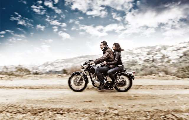 motorcycle-riding-is-more-fun-as-a-couple
