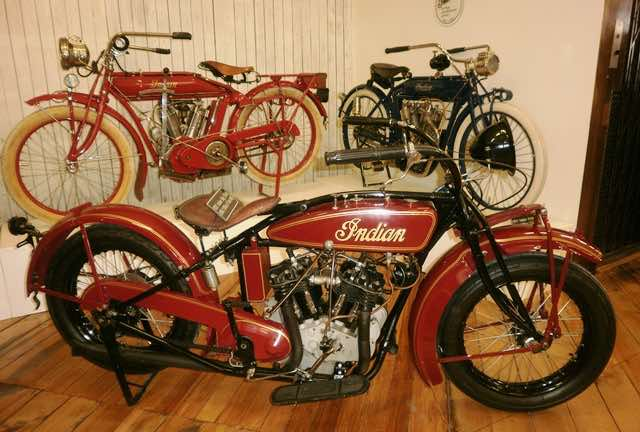 old-motorcycles-indian-style
