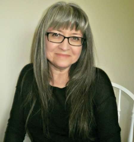 Liz Hardy is a freelance copywriter