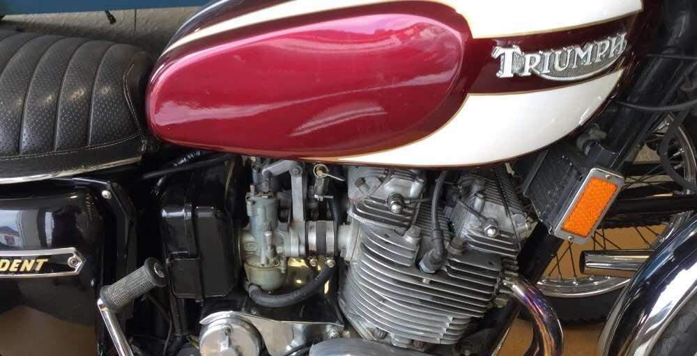 vintage motorcycles Triumph Trident T160 1975 750cc