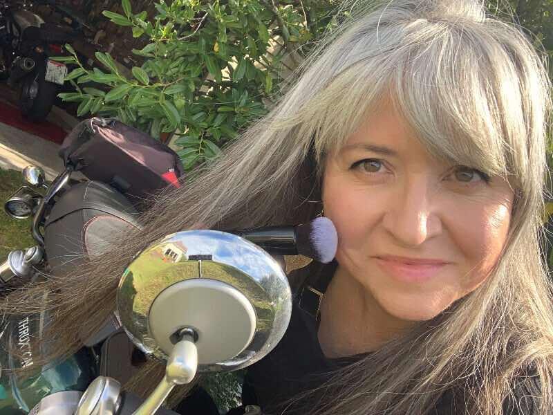 make motorcycle makeup last